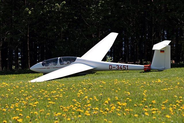 glider-3381681_640