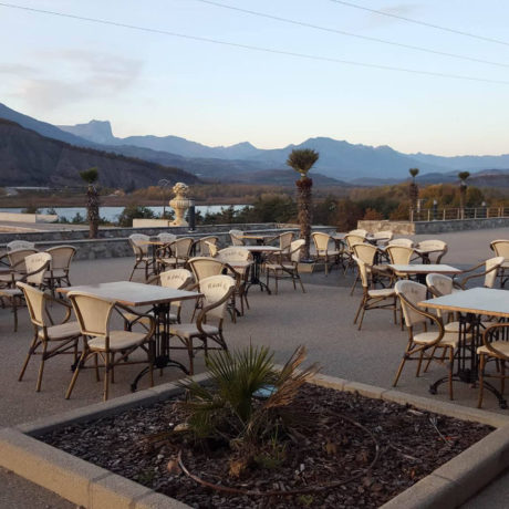 itineraire-le-real-curbans-restaurant-terrasse