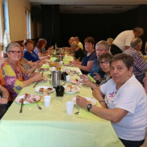 club-grand-vallon-repas-lamotteducaire